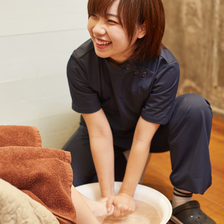 Deep pressure osteopathy and reflexology Footman (Asakusa)